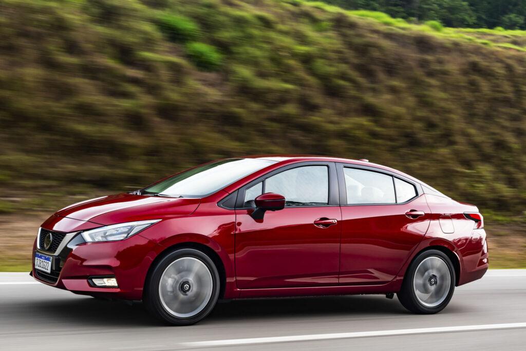 Nissan Versa 2021 Versão Exclusive CVT Lateral