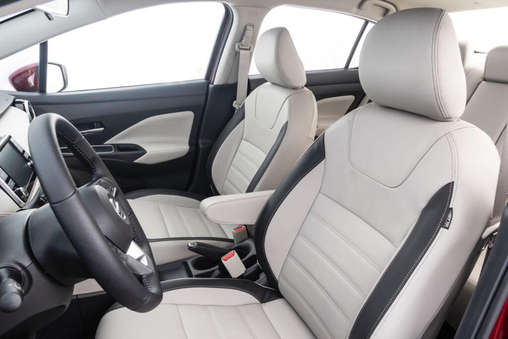 Nissan Versa 2021 Versão Exclusive CVT - Bancos em couro claro