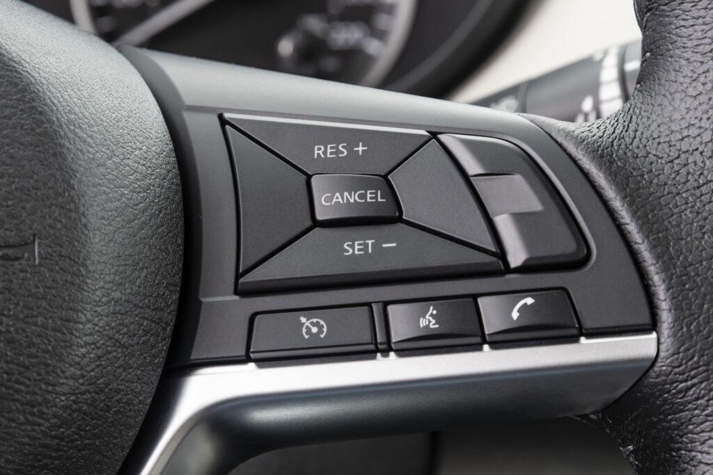 Nissan Versa 2021 Versão Exclusive CVT - Volante multifuncional
