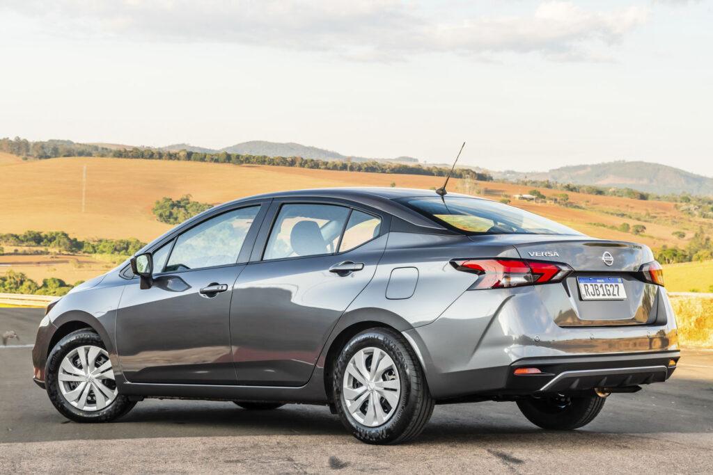 Novo Nissan Versa 2021 Versão Sense CVT - Traseira