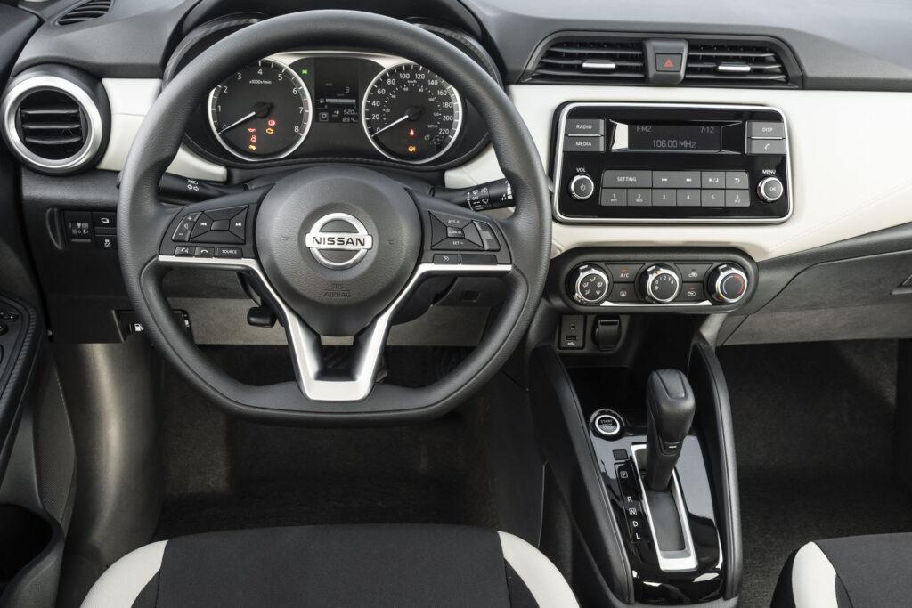 Nissan Versa 2021 Versão Sense CVT - Interior